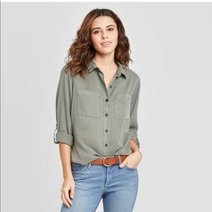 Universal Thread Long Sleeved Button Down Green S